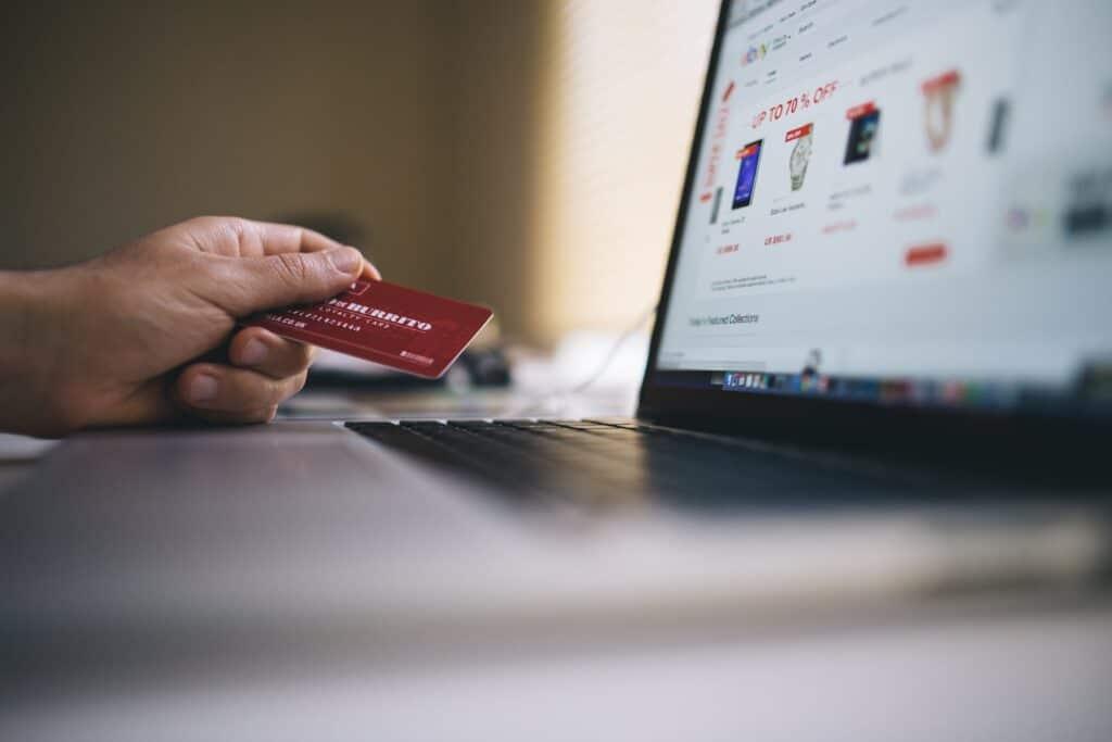 Eesti pangalingid Shopify e-poes Maksekeskusega